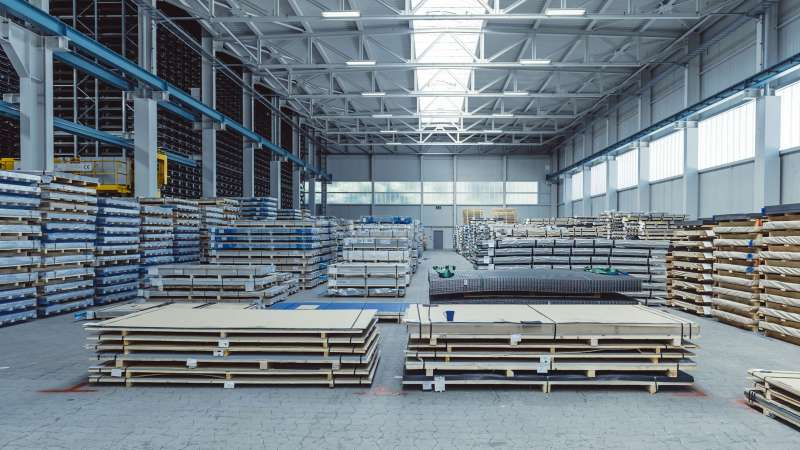 Weinmann Aach | Dornstetten • 3 Proline 10 continuous rooflights, total length 235 m, width 3.50 m; 28 continuous rooflight flaps with pneumatic control.