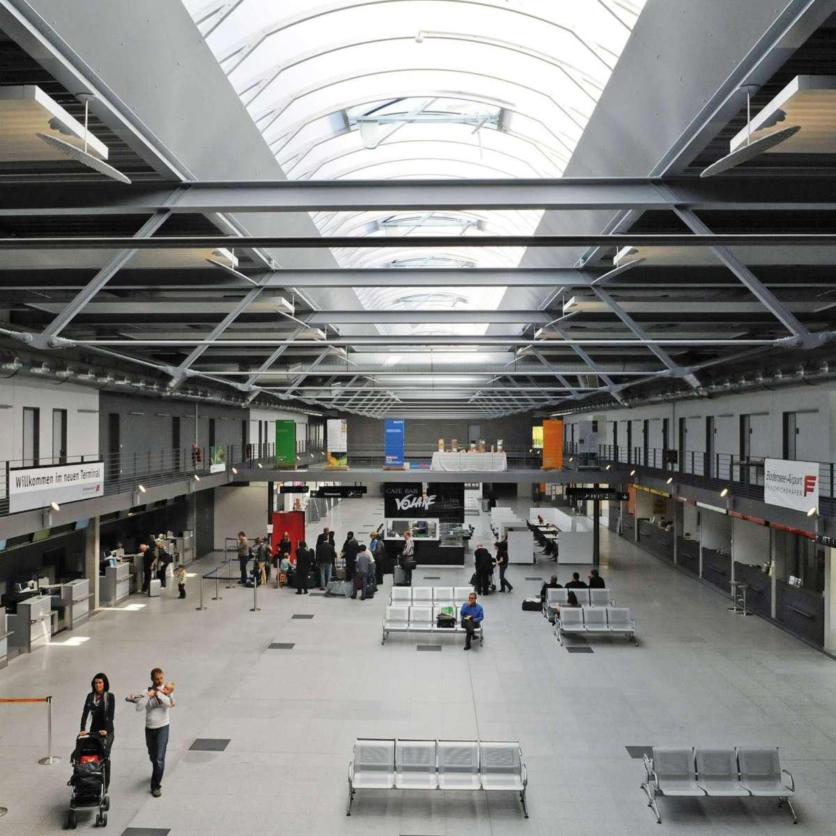 Bodensee-Airport Friedrichshafen | Friedrichshafen • 1 x Topline 65 m x 5 m, 7 x Topline 7 m x 3 m, 16NSHEV flaps