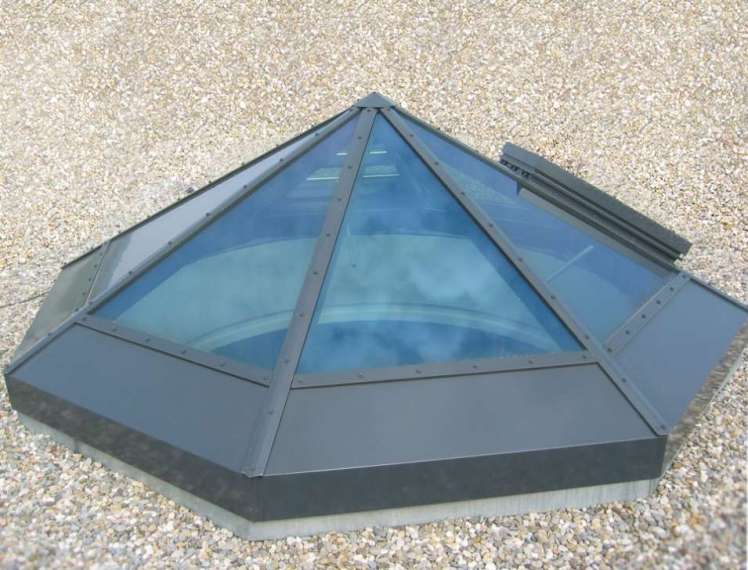 Glass wing pyramid glass