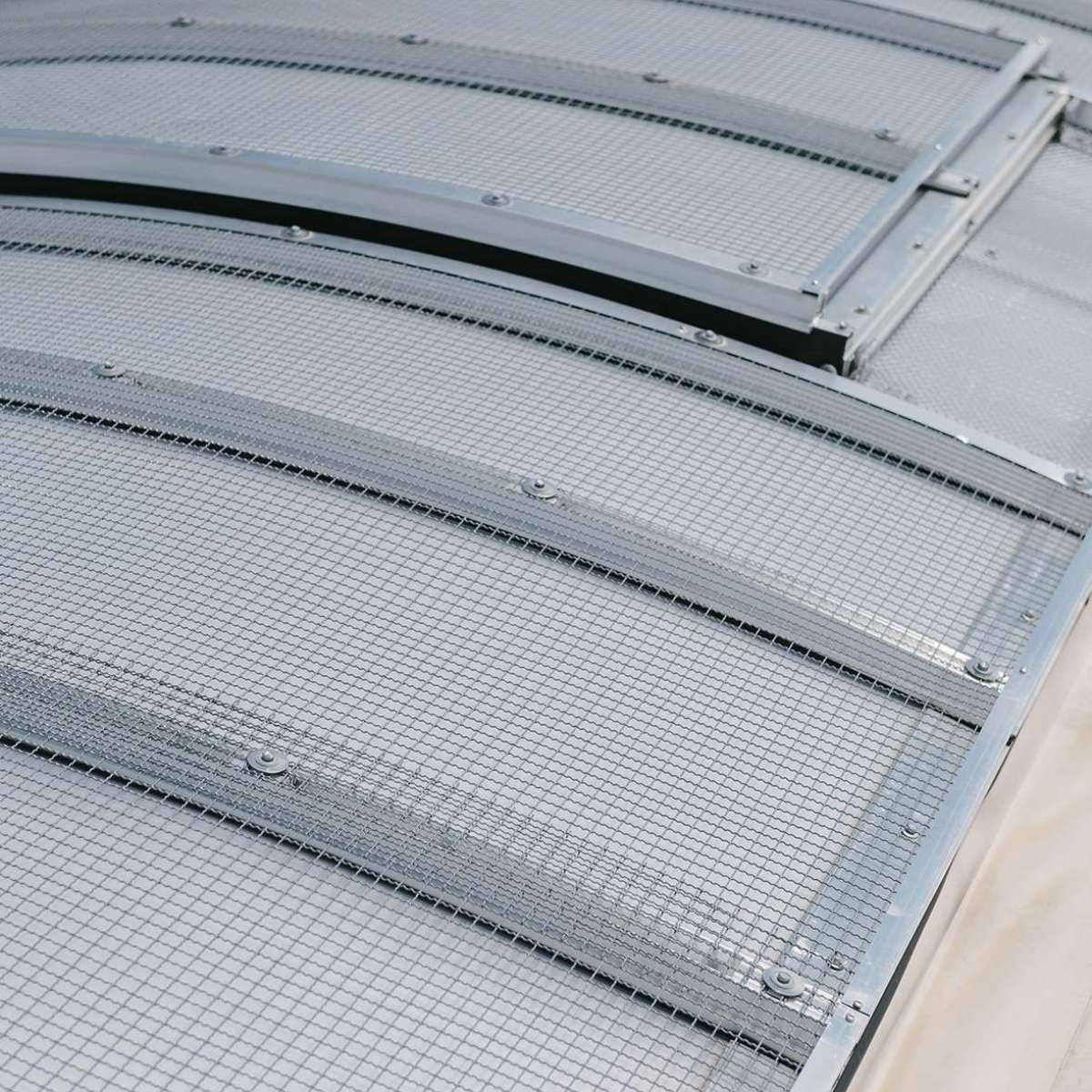 HECO-Schrauben GmbH & Co. KG (Screw manufacturer) | Schramberg • Topline ELS 1.8 continuous rooflight, 4 continuous rooflights 15 m x 2.50 m, hail protection wave grid WG, 4 multi-purpose ventilators, 8 SHEV flaps and 22 PC SHEV rooflights.