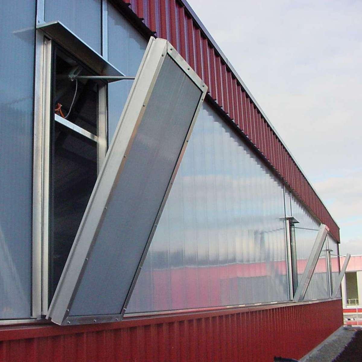 Coop Megastore | Dietikon, Schweiz • Generalsanierung des kompletten Gebäudes, Hand in Hand mit angrenzenden Gewerben.
