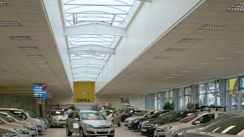 Autohaus Schmidt + Koch AG (Car dealership) | Bremen • 1x Topline 59 m x 3 m with five ventilation flaps