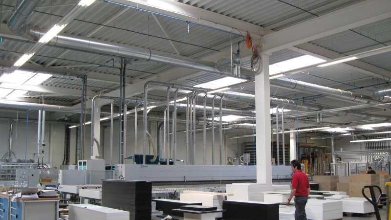 Dobergo Büromöbelfabrik GmbH & Co. KG (Furniture factory) | Betzweiler • 18 x Topline 10 m x 2 m, 21NSHEV flaps