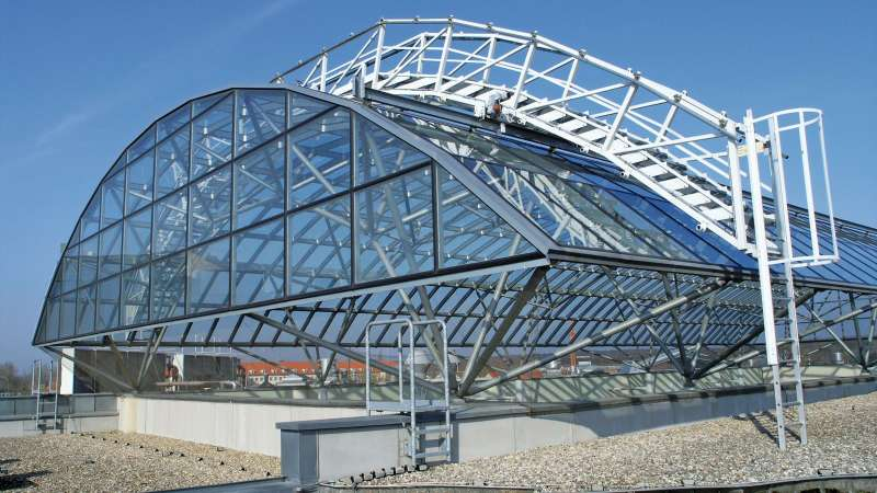 Bio-Zentrum Halle der Martin-Luther-Universität Halle-Wittenberg (University Biocentre) | Halle (Saale) • Roof dimensions: 44.71m lenght, 22.0m width, 4.80m height